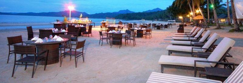 海灘餐廳欣賞浪漫海景