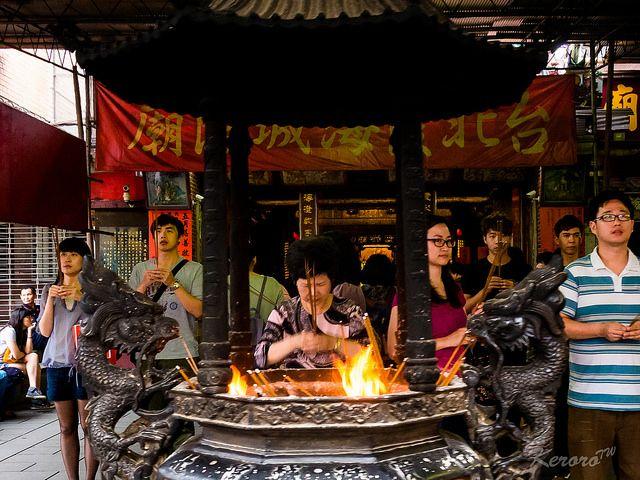 過年拜拜是台灣的傳統(圖片來源-中岑 范姜)