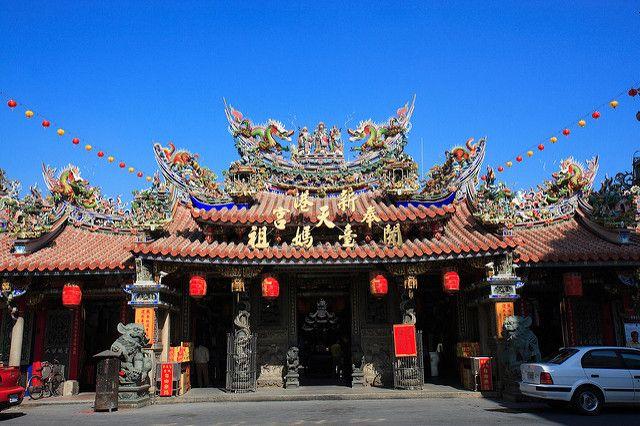 每年農曆正月初一,新港奉天宮的搶頭香活動,總是吸引許多善男信女前來(圖片來源-Ted Wang)