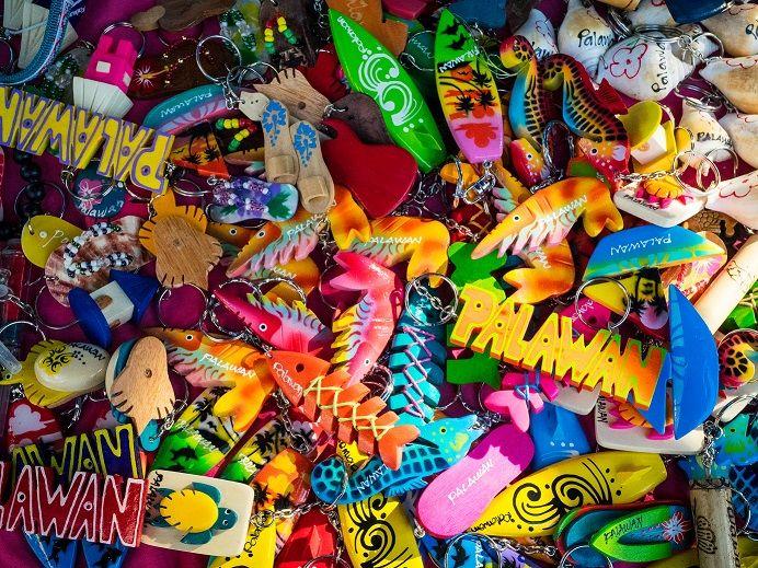MiMaRoPa市集充滿著各區的特色小物(圖片來源:許詩美 攝)