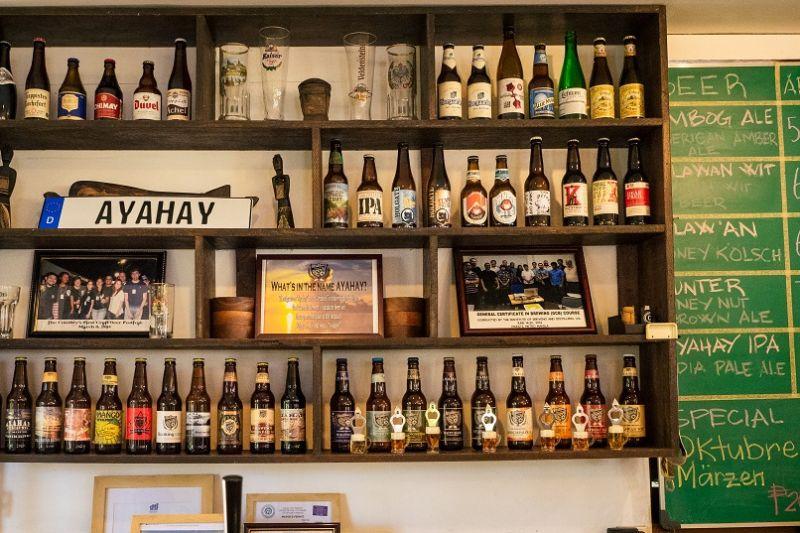 在炎熱的巴拉望,將一杯冰涼的啤酒 一飲而盡,是最佳的消暑選擇。(圖片來源:許詩美 攝)