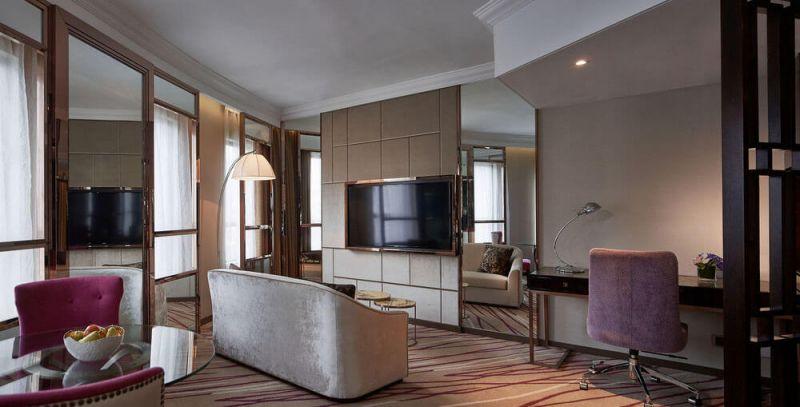 融合維多利亞風格及東方典雅元素的中西合壁設計和高雅時尚的裝潢。