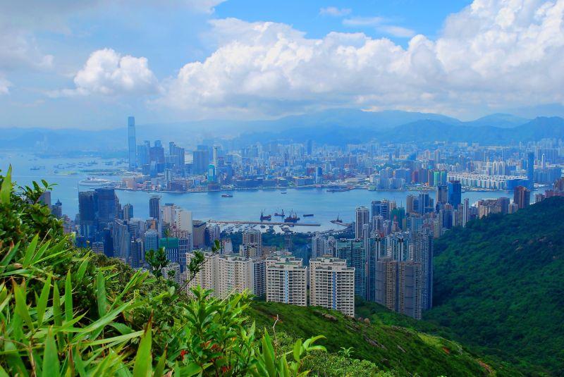 用各種不同的方式暢遊香港