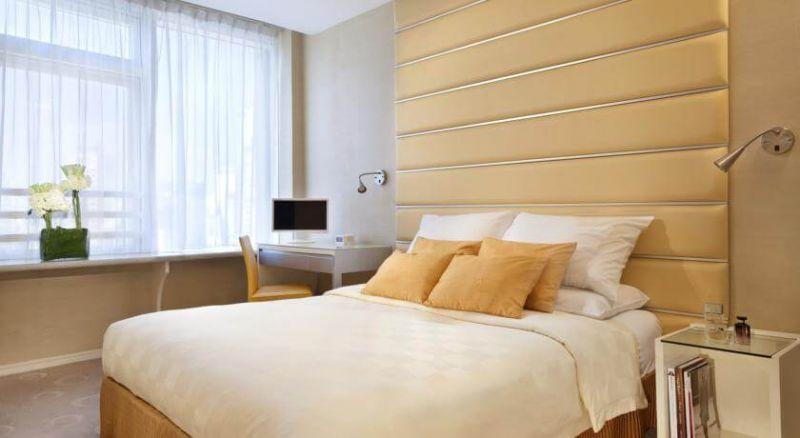 有客房及套房內均以不同顏色為主題