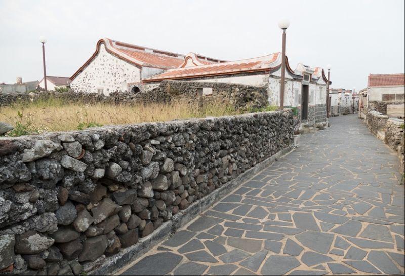 澎湖二崁古厝聚落適合相當旅人漫步。(欣傳媒資料照片)
