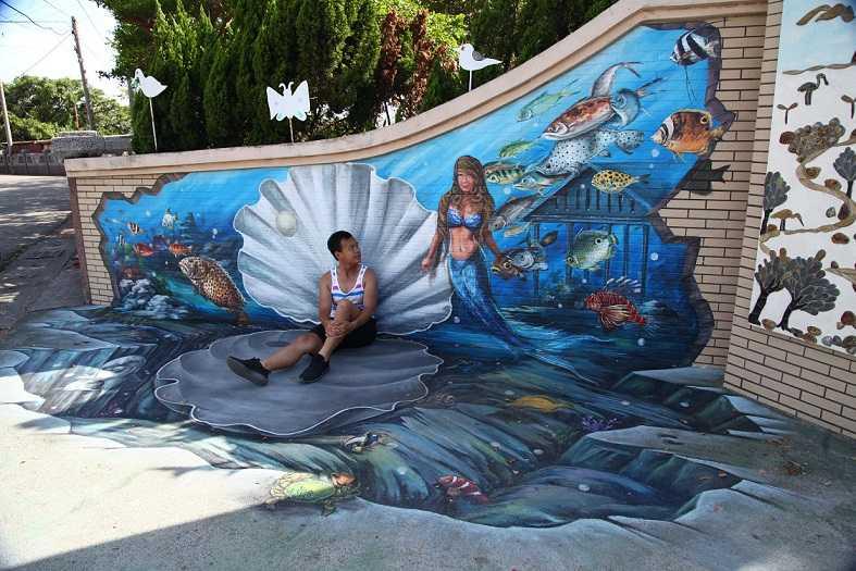 旅人化身美人鱼坐在章鱼上,和中华白海豚,蟒蛇哥,小丑鱼说嗨,还可中国古代大扇贝图片
