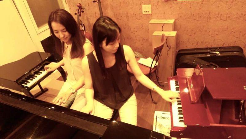 """抢先体验玩具钢琴饶富童趣的可爱音色,也期待""""钢琴×玩具钢琴″"""