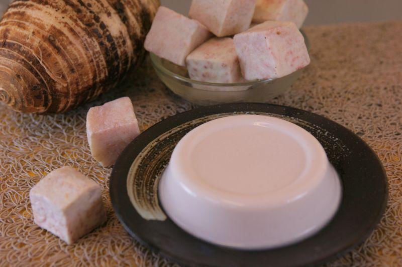 奶酪帶有濃郁的芋頭香氣,是甜點控的最愛。(草屯鎮公所提供)