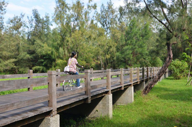 台東森林公園被網友喻為最美麗的單車路線,可惜風災後還沒完全復原。(劉宸嘉攝影)