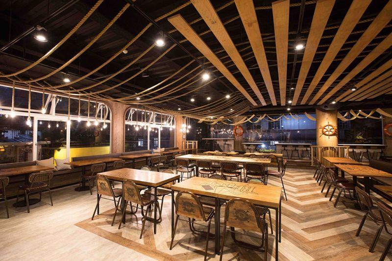 超過80席的空間 一起來享用海賊大餐吧!(《台灣航海王》餐廳提供)