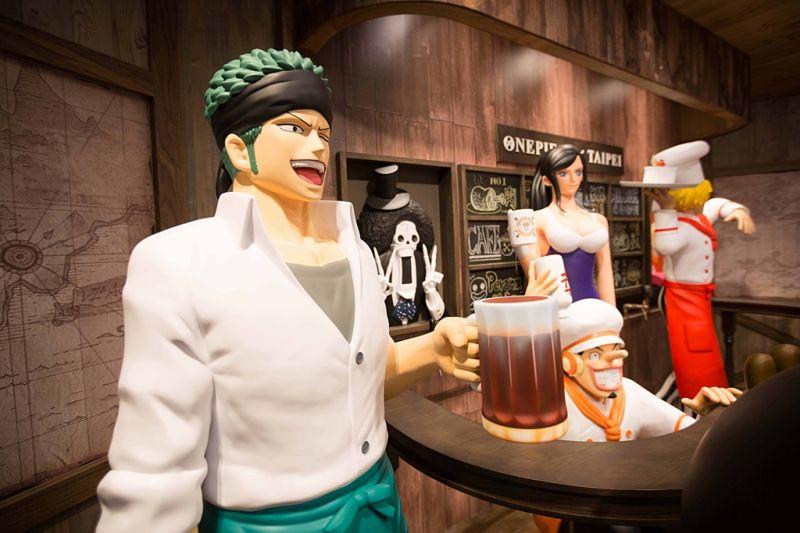 想來與索隆乾杯嗎?(《台灣航海王》餐廳提供)