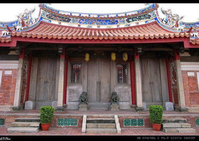 不同於其他的文昌廟祠,磺溪書院沒有進香客的擁擠感,反而藏著不少建築藝術之美(圖片來源-Jason Chao)