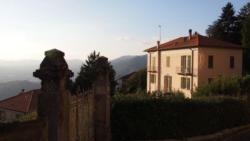 COMO湖山丘上的住宅;圖片提供:何熊貝/何凭融