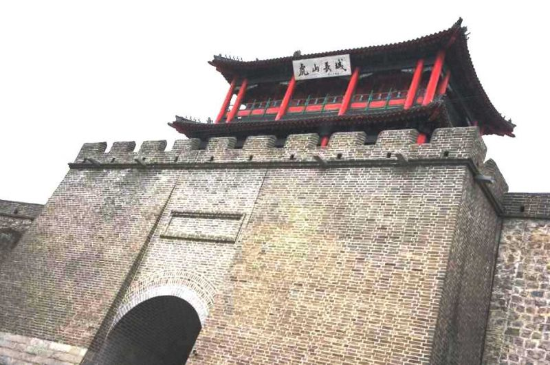從虎山長城上就可以看到朝鮮呢。