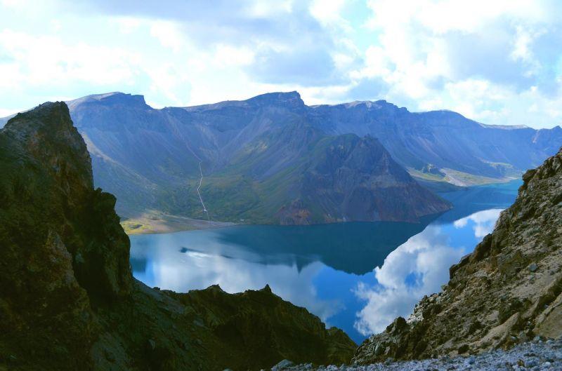 長白山跨越中朝兩國。(圖片來源:欣傳媒)