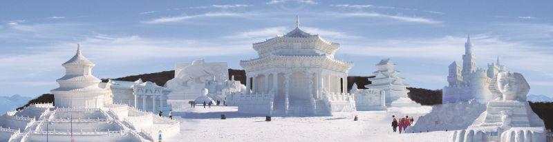 瀋陽每年冬天全市舉辦冰雪節,充滿各種雪地娛樂。
