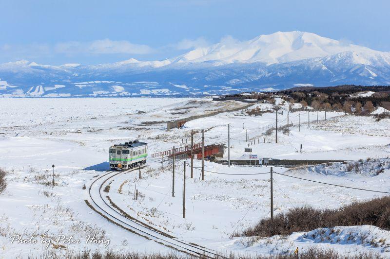 圖/北海道,光雪景就美到令人窒息,而運行於釧路與網走之間的釧網本線,就是一條適合慢遊慢賞的鐵道/Peter Hong提供
