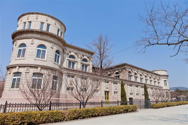 從博物館到街景,處處都有俄羅斯、日本建築風格的影子。