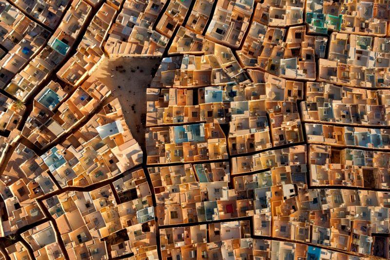 喬治.史坦梅茲【91公尺的臨空美感 影像展】_非洲.雅加達‧阿爾及利亞/圖 新光三越提供