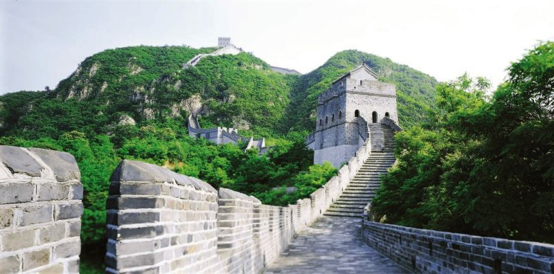 萬里長城是中國最具代表的建築與歷史形象,一生必遊。(圖為遼寧 虎山長城)