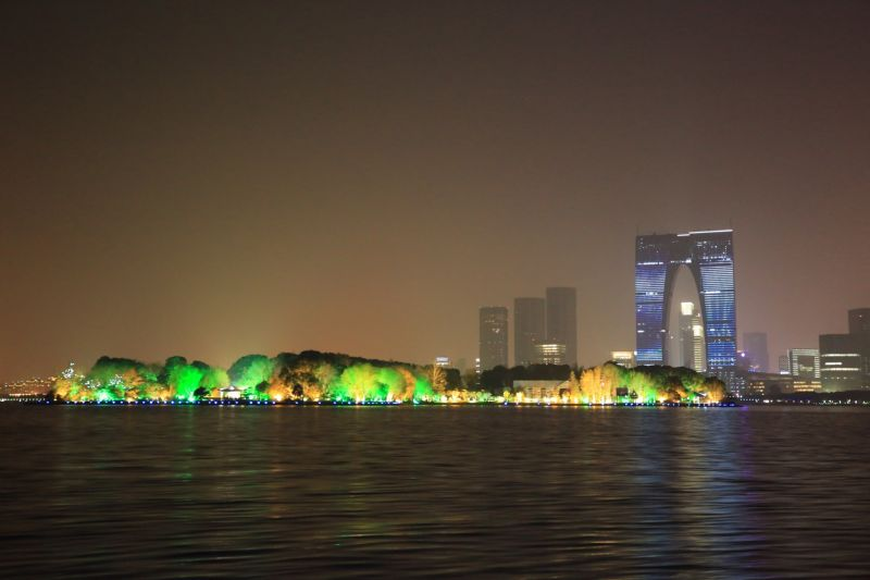 金雞湖夜景成為蘇州浪漫新景點
