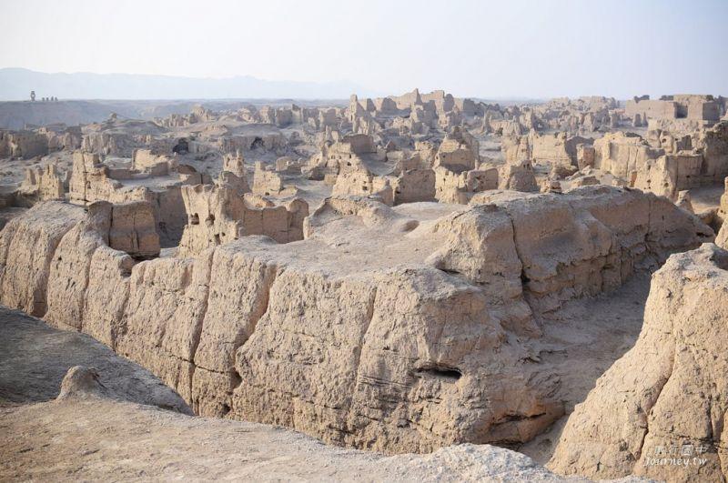 交河故城宋代前由黃土建成,被譽為「世界上最完美的廢墟」。(攝影 許傑)