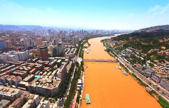 想看真正的黃河嗎?全中國唯一黃河流經的大城市就是蘭州。(圖片來源 人民網)