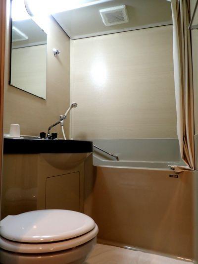 月山渡假山莊 雙人房衛浴設施(娜塔蝦 攝)