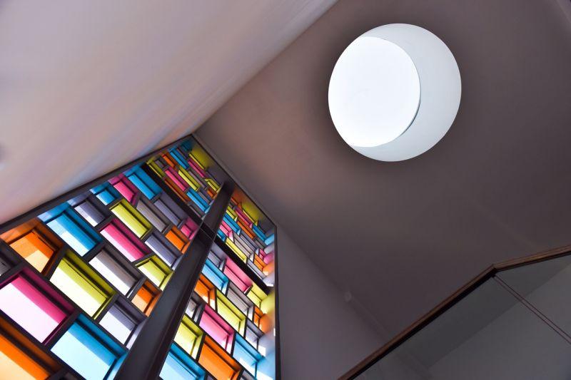 從主樓梯仰望屋頂通風天窗;攝影:曾群儒