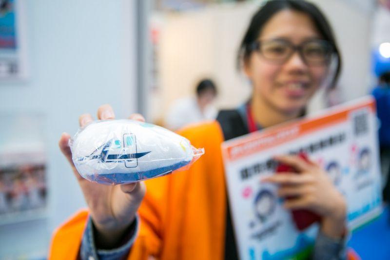 展覽中有許多精美小禮物可透過遊戲取得。(圖片來源:Louis Liu)