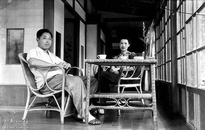 中晚年趙四小姐陪伴張學良在台灣軟禁的日子,長達54年。