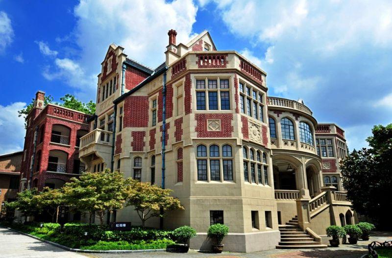 上海汪公館以西班牙式風格,成為人氣老房子。圖片來源 http://bit.ly/2rEbLid
