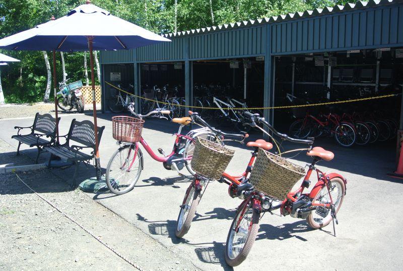 有普通腳踏車、電動腳踏車...等