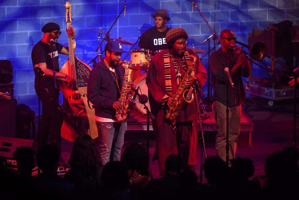 Kamasi Washington是這時代相當活躍的薩克斯風手,他跟Kendrick Lamar及Snoop Dogg都曾合作過(圖片來源:flickr)