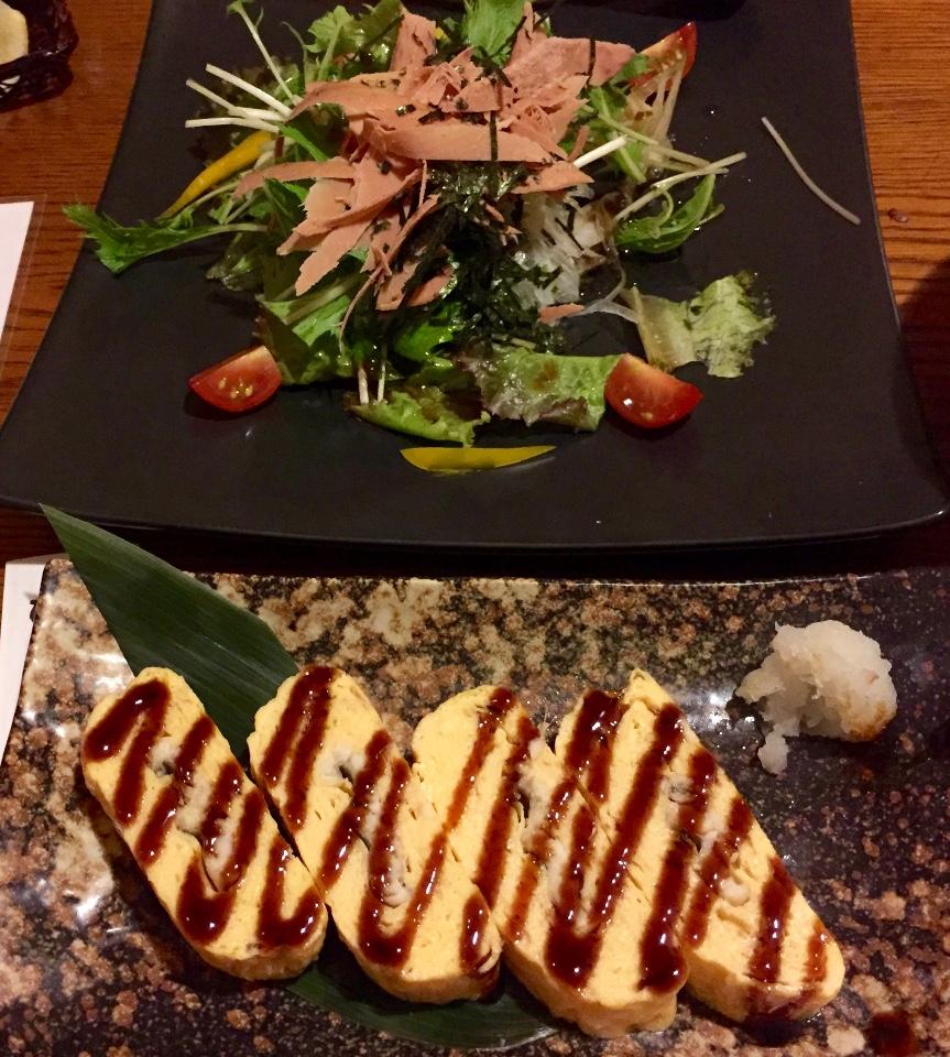 鮪魚沙拉跟煎蛋捲