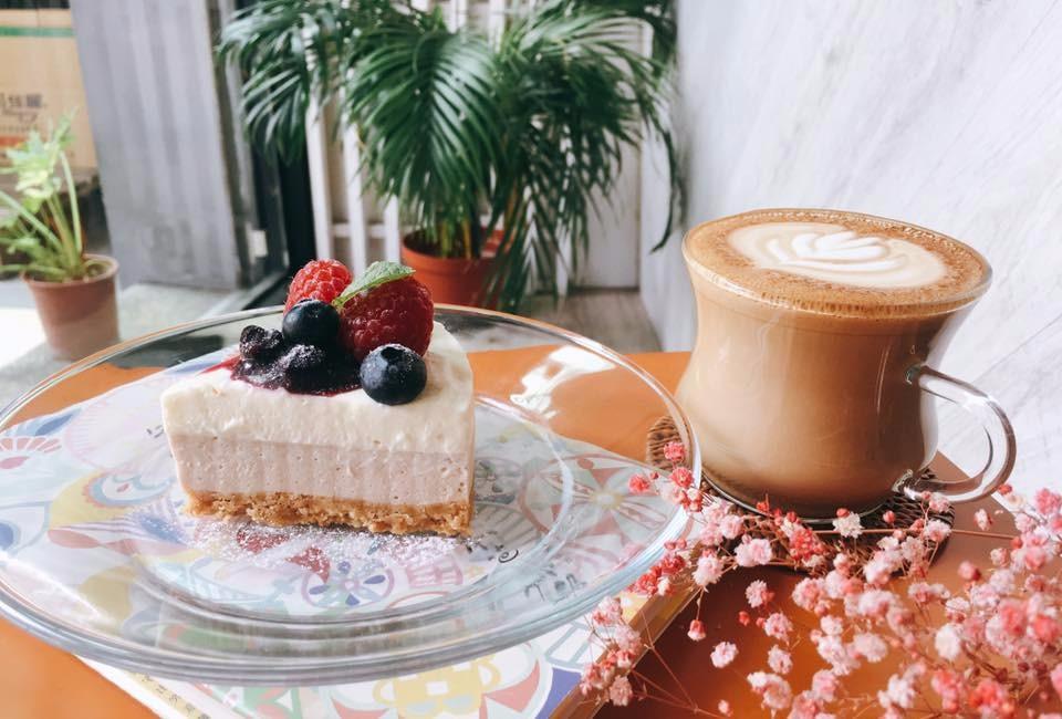 「花夏入室」除了有美味甜點,店內還有夢幻的乾燥花裝飾。(圖片來源/花夏入室FB粉絲團)