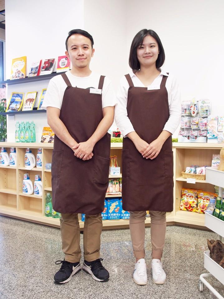 右為周孟宣,左為黃尚衍,是「unpackaged.u商店」的催生者。 (陳德偉攝)