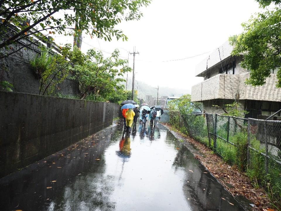 雖然下著大雨,但還是澆不熄大家的熱情 圖/OLYMPUS提供