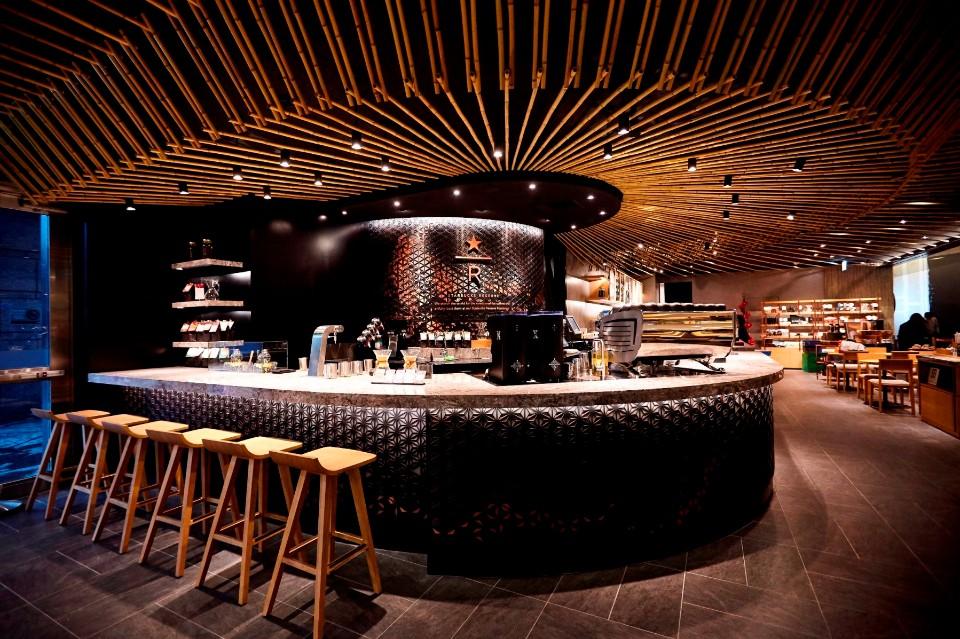 台灣全台首個星巴克摩登典藏吧台於台北101 b1門市亮相。(星巴克提供)