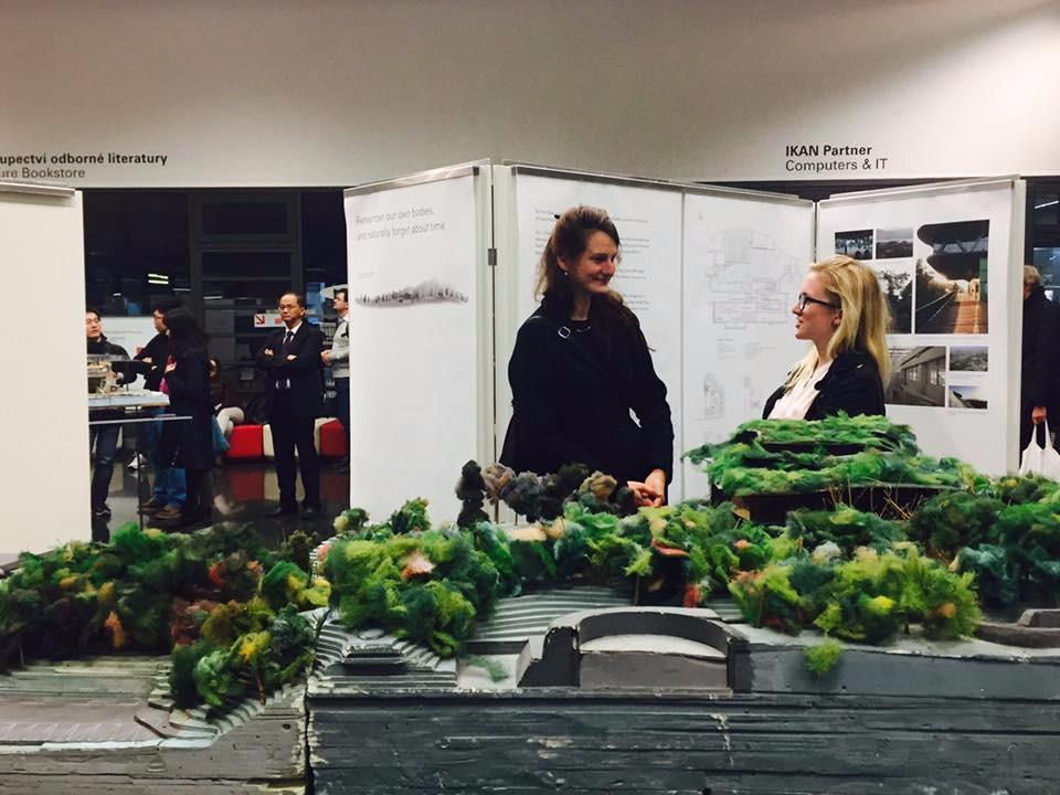 田中央工作群國際巡迴展「Making Places」,於布拉格的國立科技大學圖書館中庭開幕;攝影:林芳怡