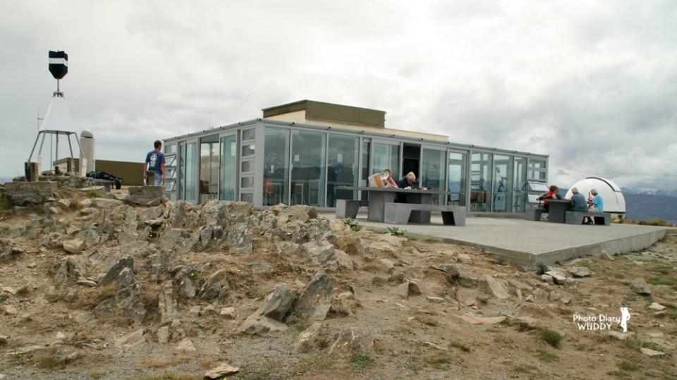 玻璃咖啡屋,就是不能遮去這片湖光山色呀!