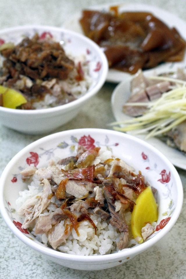阿溪火雞肉飯是嘉義中午前的限定版美食。(攝影/散客)