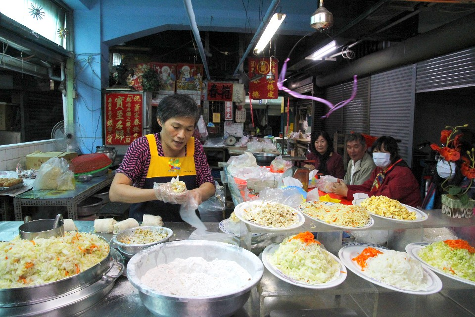 蕭家春捲的味道與口感都相當特別,尤其清一色以蔬菜類為主。(攝影/散客)