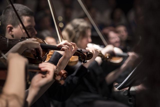 為何聆聽古典音樂?以及如何了解古典音樂的奏鳴曲,所富含的調性美學?