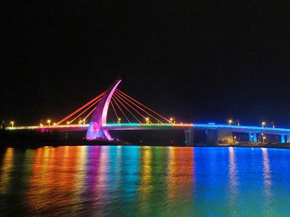 屏東東港深度旅行  推出「台灣設計展」、「國慶煙火秀」豐富二日遊  體驗經典小鎮在地魅力