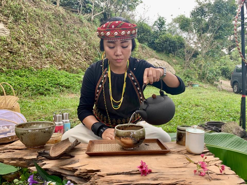 高雄寶山部落療癒之旅  體驗在地特色茶席盛宴  品茗原生山茶好滋味