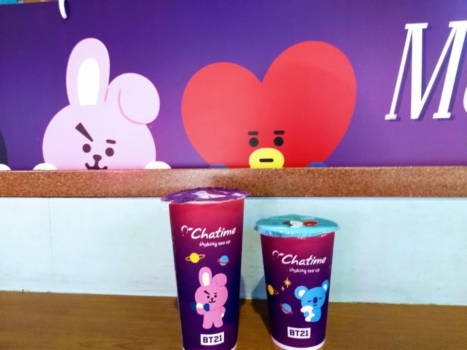 【美食】「日出茶太」聯名「宇宙明星BT21」,運動隨手瓶、環保杯提袋、書籤磁鐵集點加價送