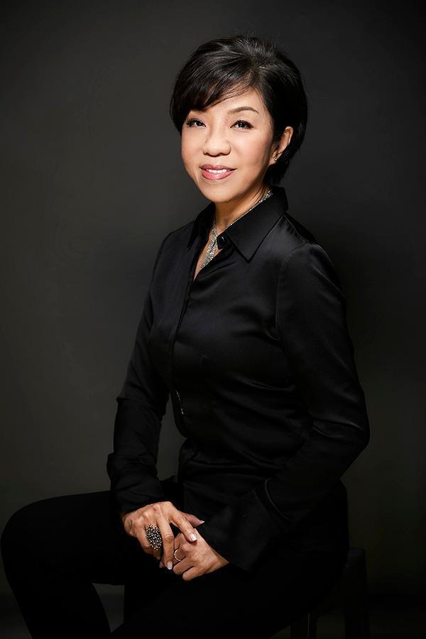 Jennifer Tsai 蔡慧貞|首創藝術【再解構主義】設計教母轉型藝術家-開啟再生藝術密碼的無限可能