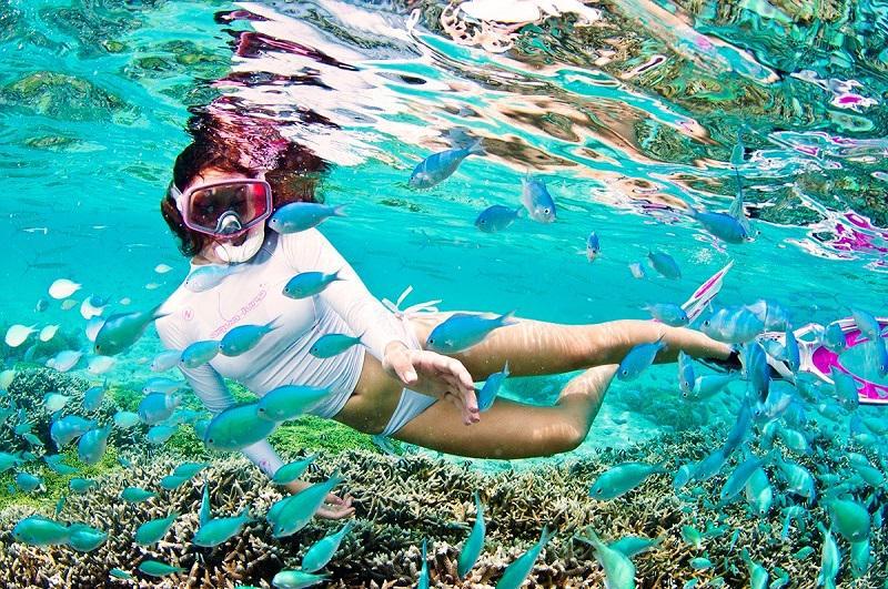關島擁有天然美景、各種的海陸空活動,是度假天堂。(關島觀光局提供)