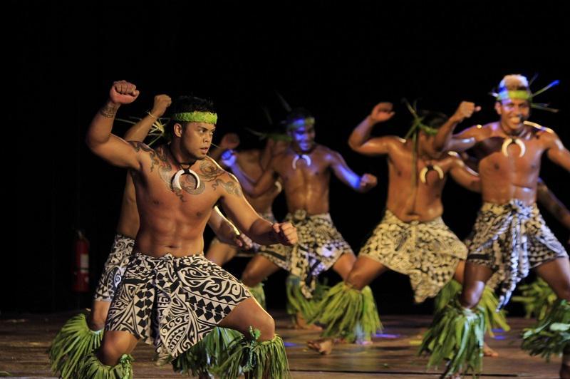 關島當地查莫洛原住民熱情好客,在當地可欣賞其傳統舞蹈。(關島觀光局提供)